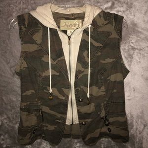 Vintage Nori Camo Zip Hooded Vest
